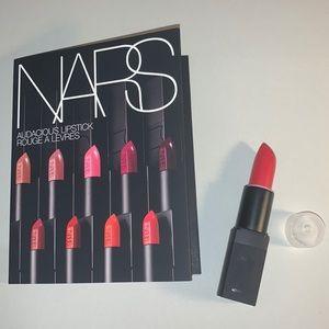 Jungle Red Nars Lipstick + 8x Audacious Samples